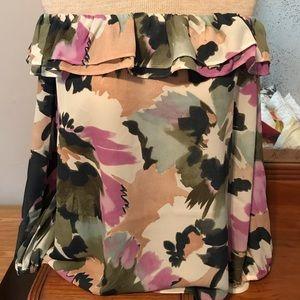 Floral off-shoulder ruffle shirt